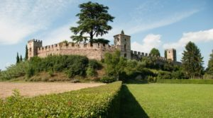 Castllaro-Lagusello-Castello-650x361